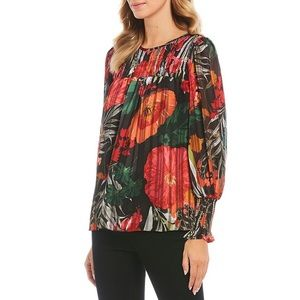 Gibson & Latimer Smocked Pleated Floral Print Top
